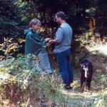 Jule und Nico beim Pilzsammler
